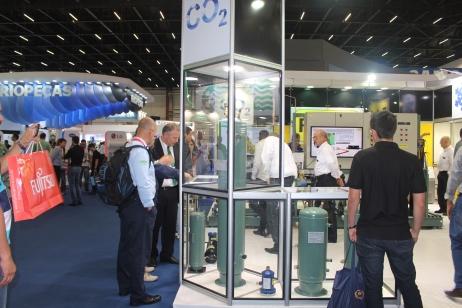 CO2 - Marcos Euzebio da Bitzer examinando os Componentes CO2 da RAC